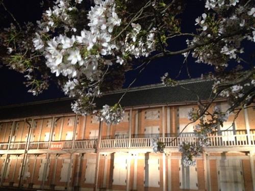 ライトアップされた富岡製糸場
